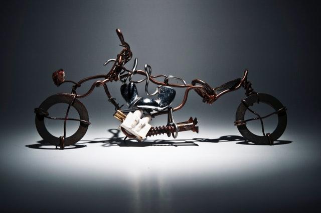 Créer des œuvres d'art avec les fils de fer